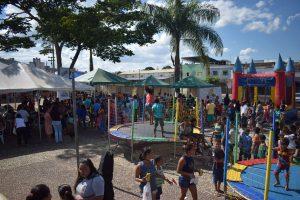 Prefeitura Municipal realiza festa para o trabalhador (a) Campos-Altense na praça Benedito Valadares